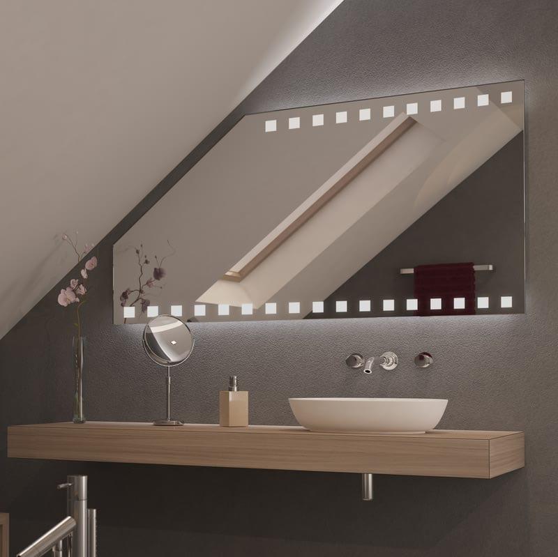 Spiegel für Dachschrägen mit LED Beleuchtung Piazza