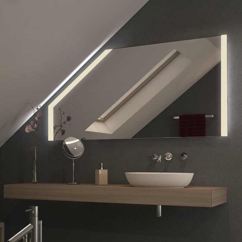 Spiegel für Dachschrägen mit LED Beleuchtung Singu