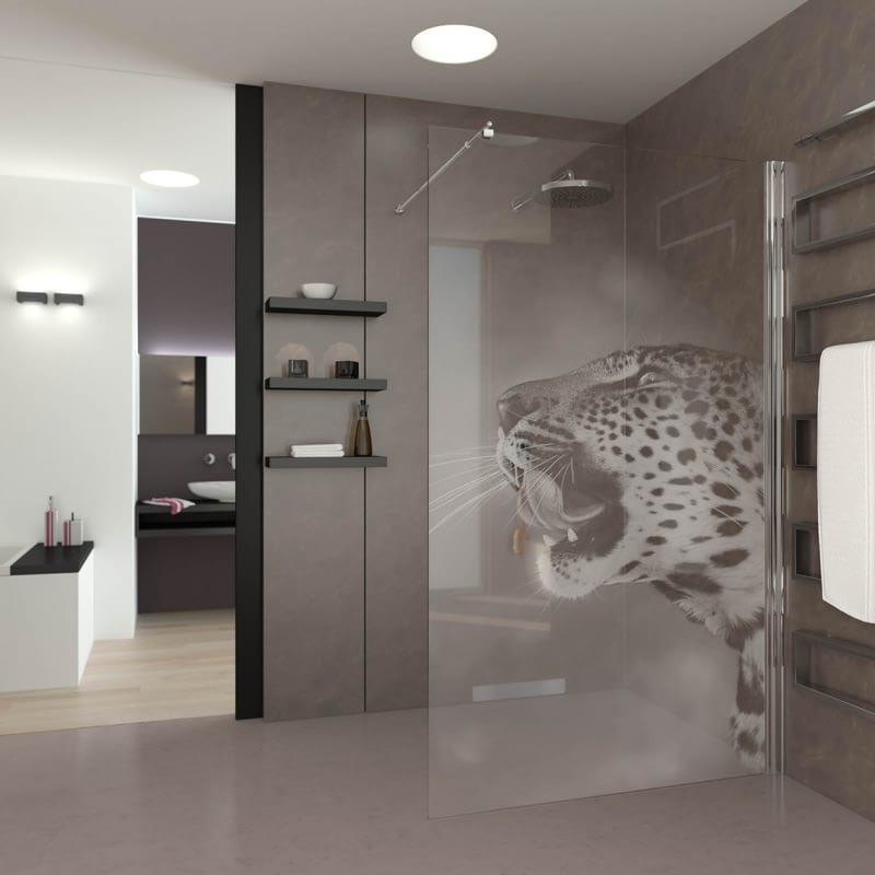 Walk In Dusche gelasert mit Motiv Leopard