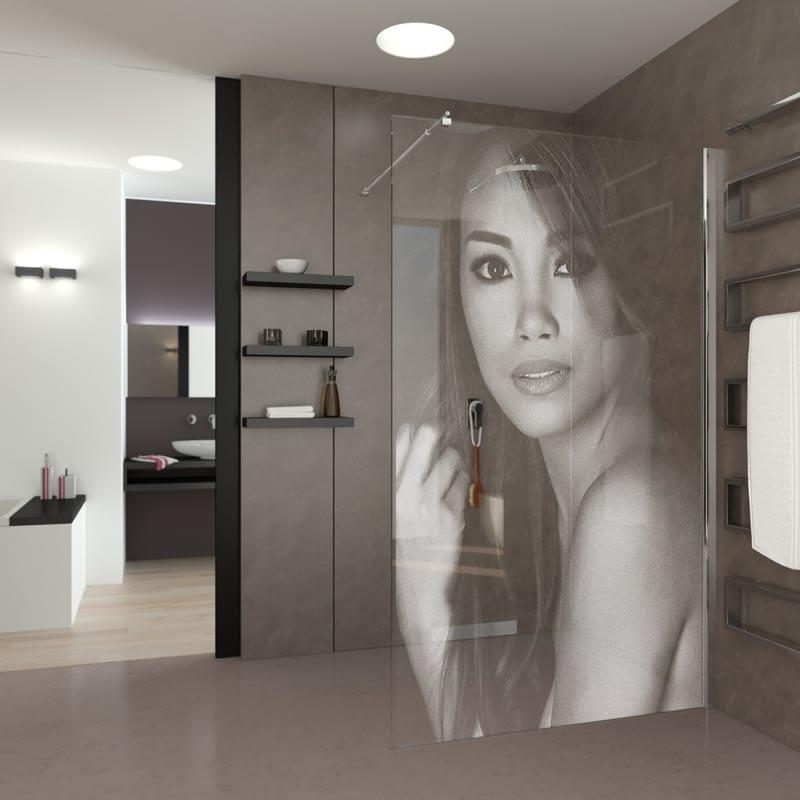 Walkin-Dusche mit Wunschmotiv