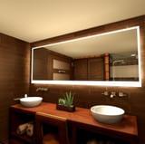 Rundum beleuchteter Badspiegel Century